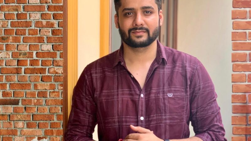 """Digital marketing expert Sandeep Vashist advises how to be cautious from """"Work from home"""" Scams on social media"""